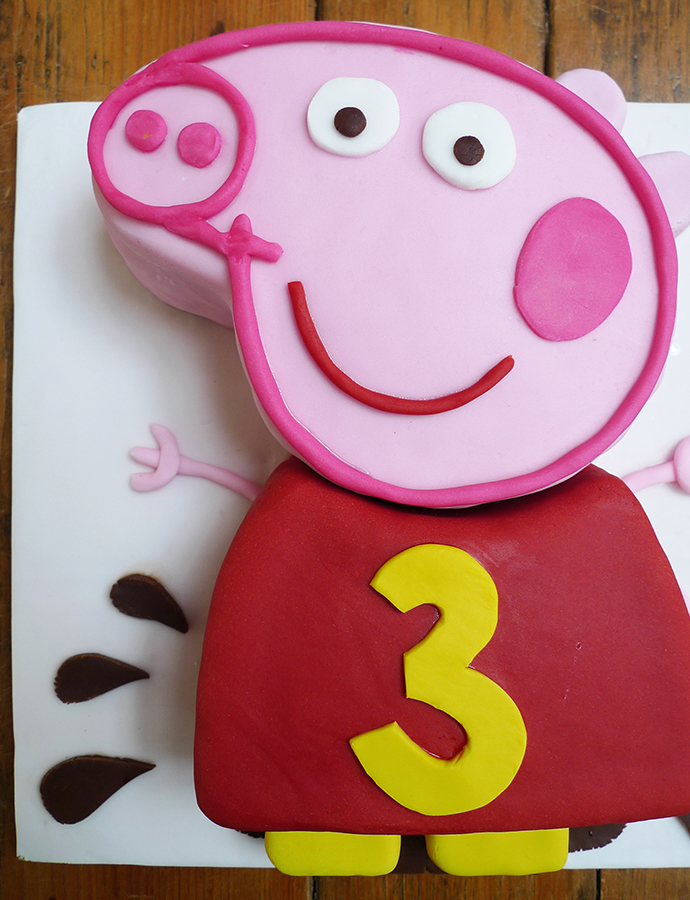 Peppa-pig-cake-portrait
