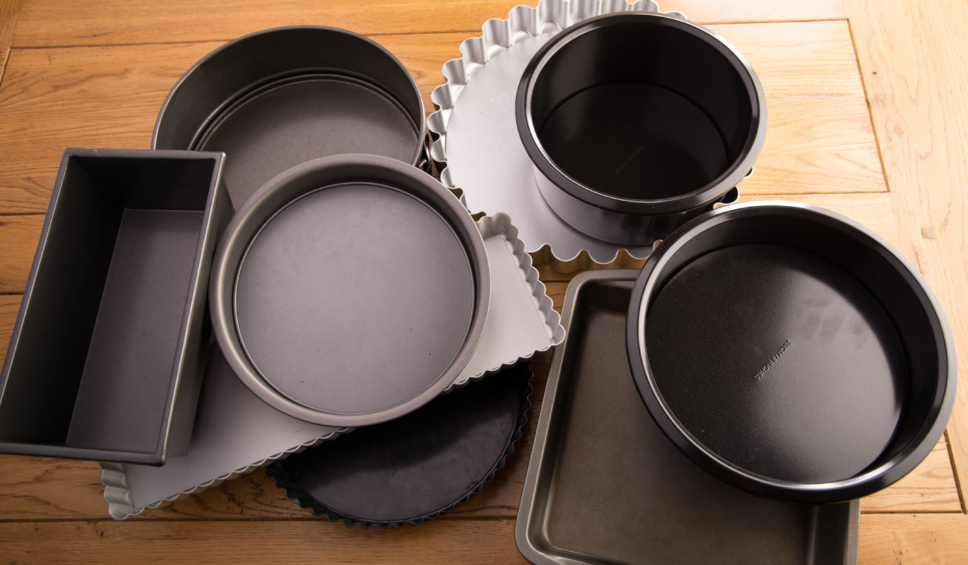 Holly-Cooks-Changing the baking tin shape in recipe - round to square/rectangle - square/rectangle to round